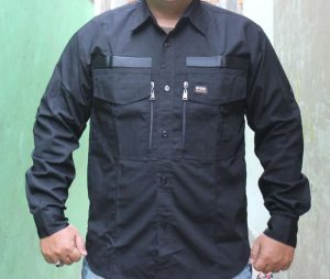 konveksi seragam kemeja lapangan dengan sisi kantongnya terdapat resleting.sehingga akan elegan dan gagah jika dipakai.